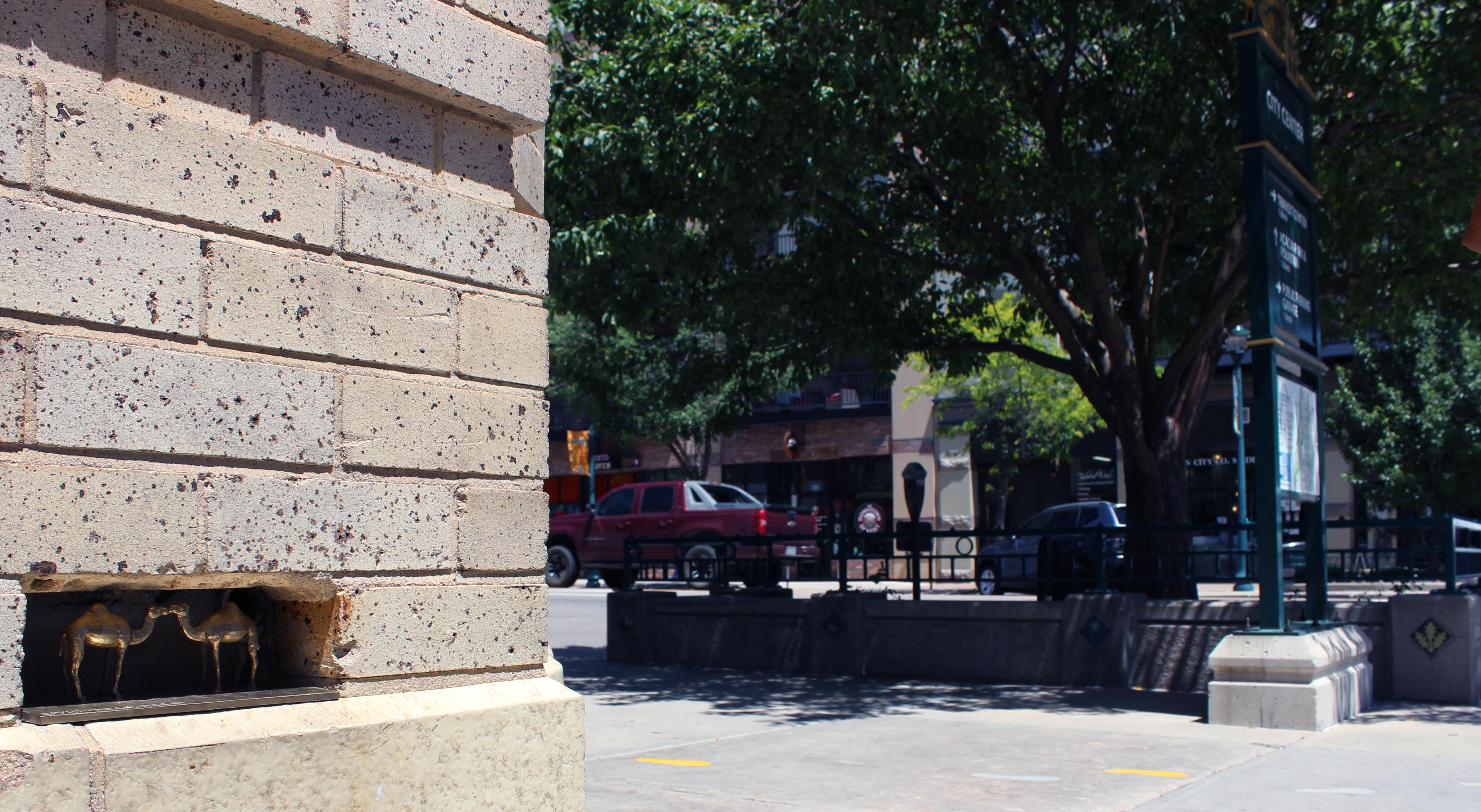 kissing camels art on tejon street